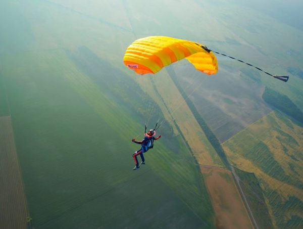Skydiving in Kyiv at the Chayka airfield - PARASKUF