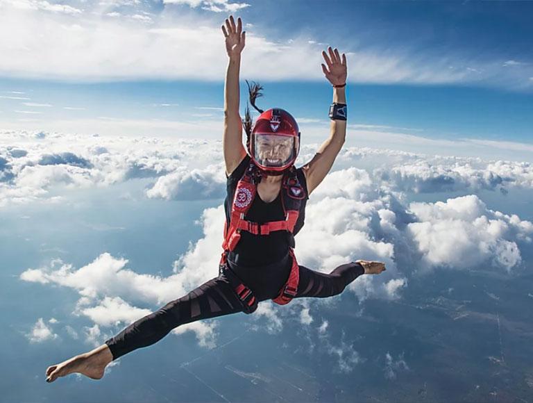 Разминка перед прыжками с парашютом