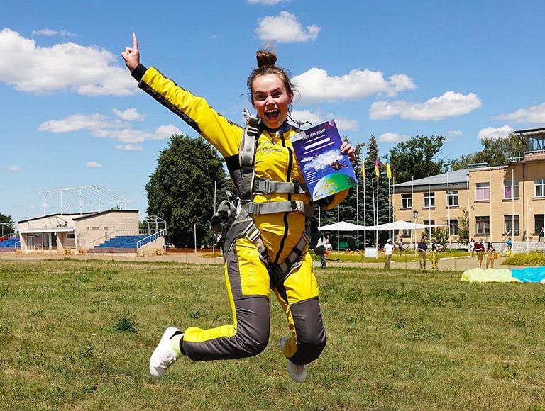 Стрибки з парашутом в Києві 15-16 травня