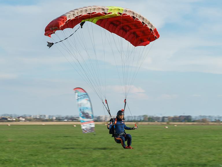 Практический семинар по пилотированию парашюта