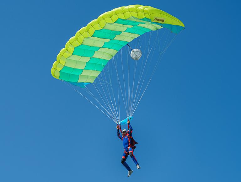 Самостоятельные прыжки с парашютом Static Line