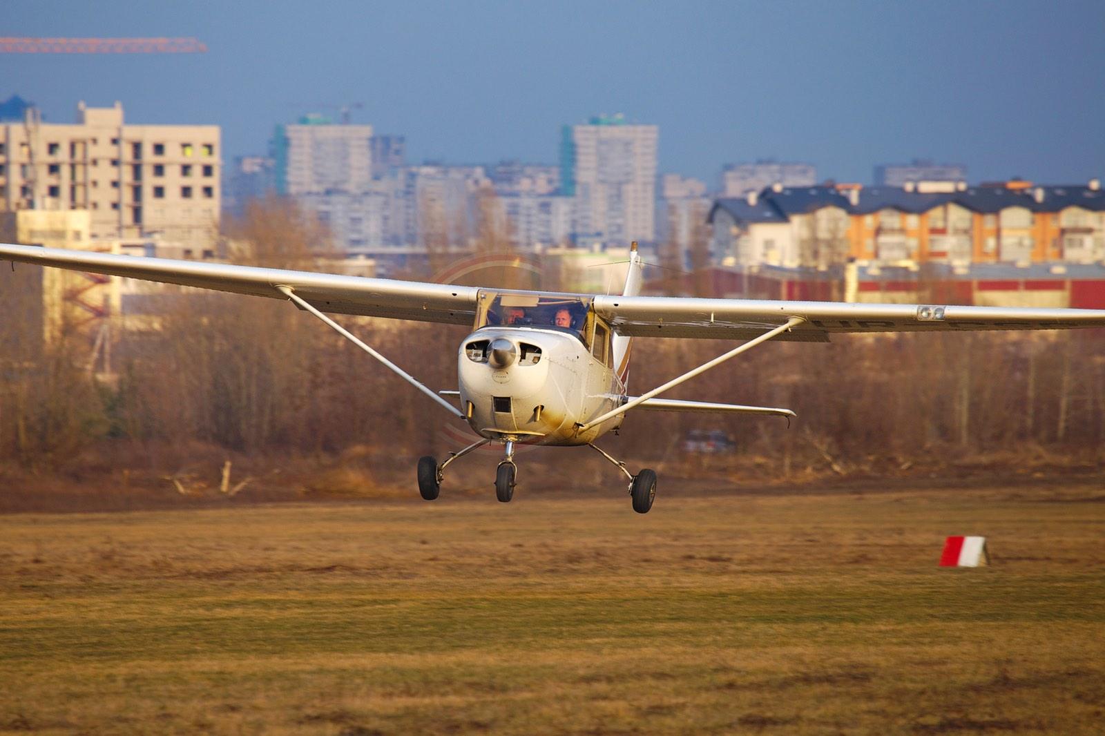 Полет за штурвалом самолета на Аэродроме Чайка